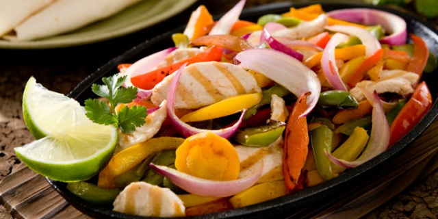 Beachbody-blog-recipe-chicken-veggie-fajitas